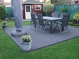 Composiet terras met tuinset en vlonderspots