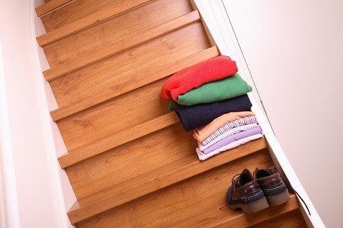 Stair Make-Over - Laminaat traprenovatie - Houten traptrede met stootbord